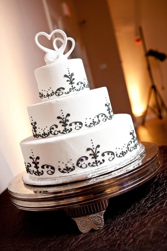 Memorable Wedding: Top 10 Ways to Customize Your Wedding Cake