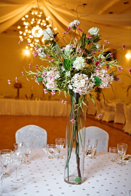 Centerpieces Flower Bouquet Centerpiece – Demers Banquet Hall
