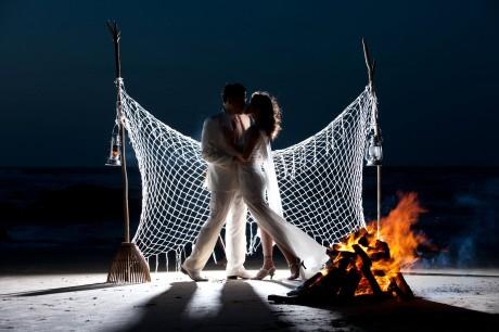 Moonlight wedding kiss Galveston TX